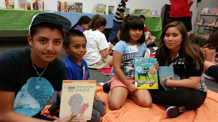Teens Getting Ready to Read to Children